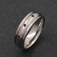 Titanium Ring - Ruby Mensa